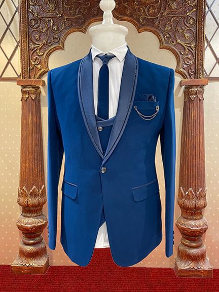 BLACK TUXEDO SUIT WITH EMROIDERED COLLAR