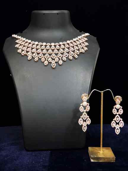 ROSE WITH DAIMOND SET
