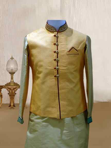 CREAM KURTA WITH PEACH PRINTED JACKET