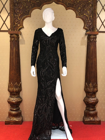 BLACK FULL SLEEV TIKKI GOWN